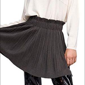 Zara Skirts - Zara women's checkered pleated skirt
